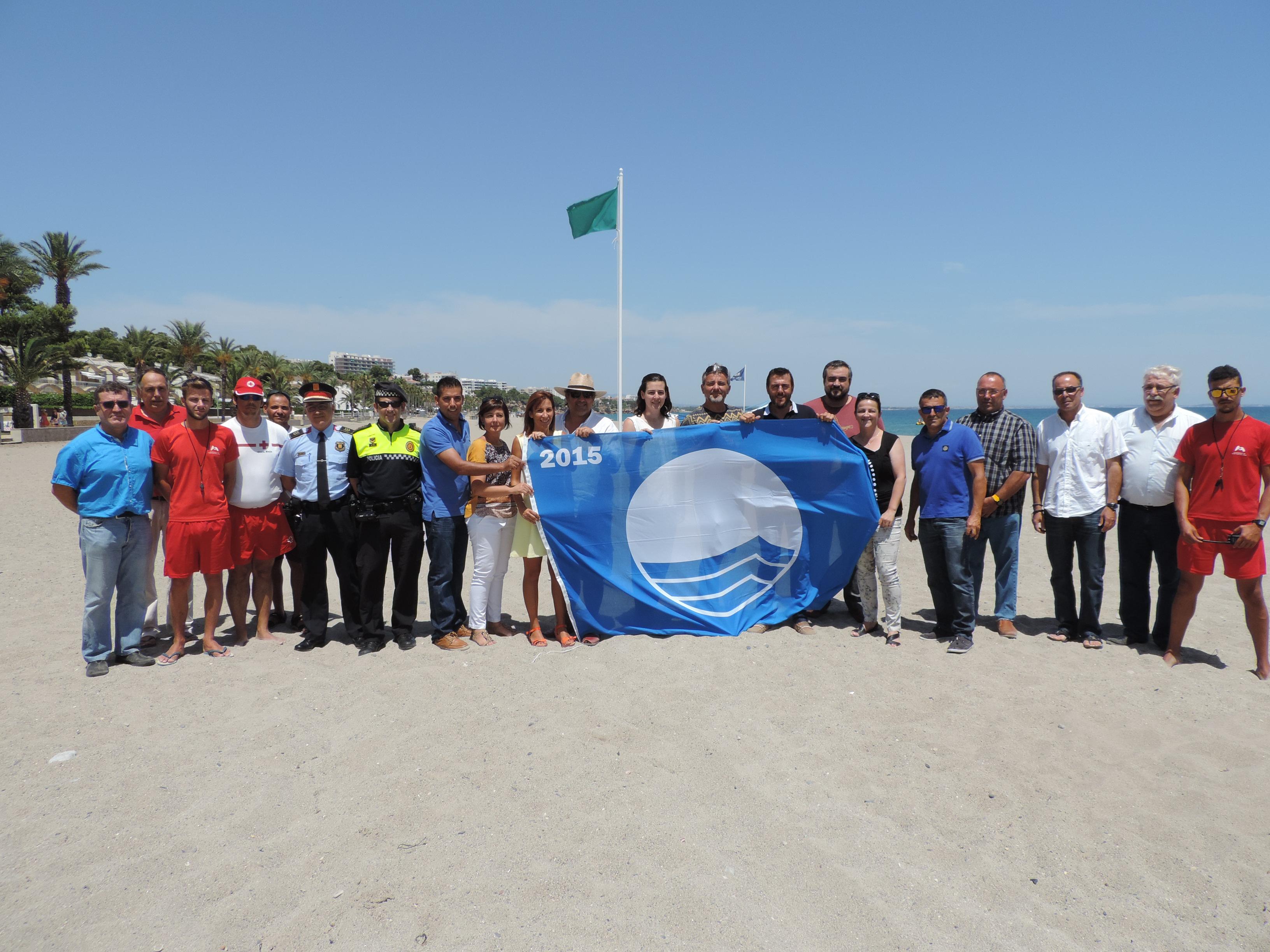 Bandera Azul 2015 en la playa Cristall