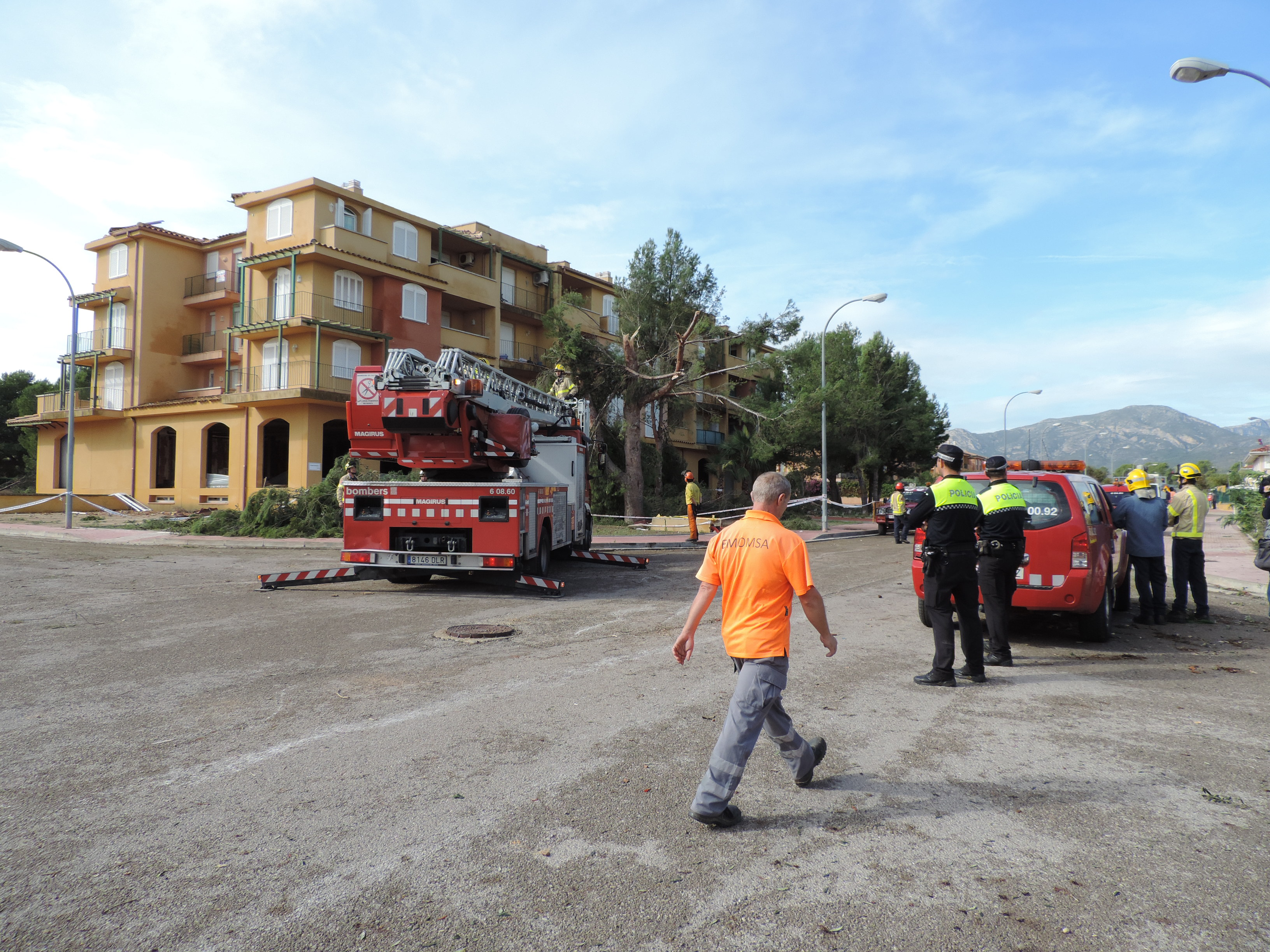 Cuerpos de seguridad y brigadas municipales se coordinan para restablecer normalidad