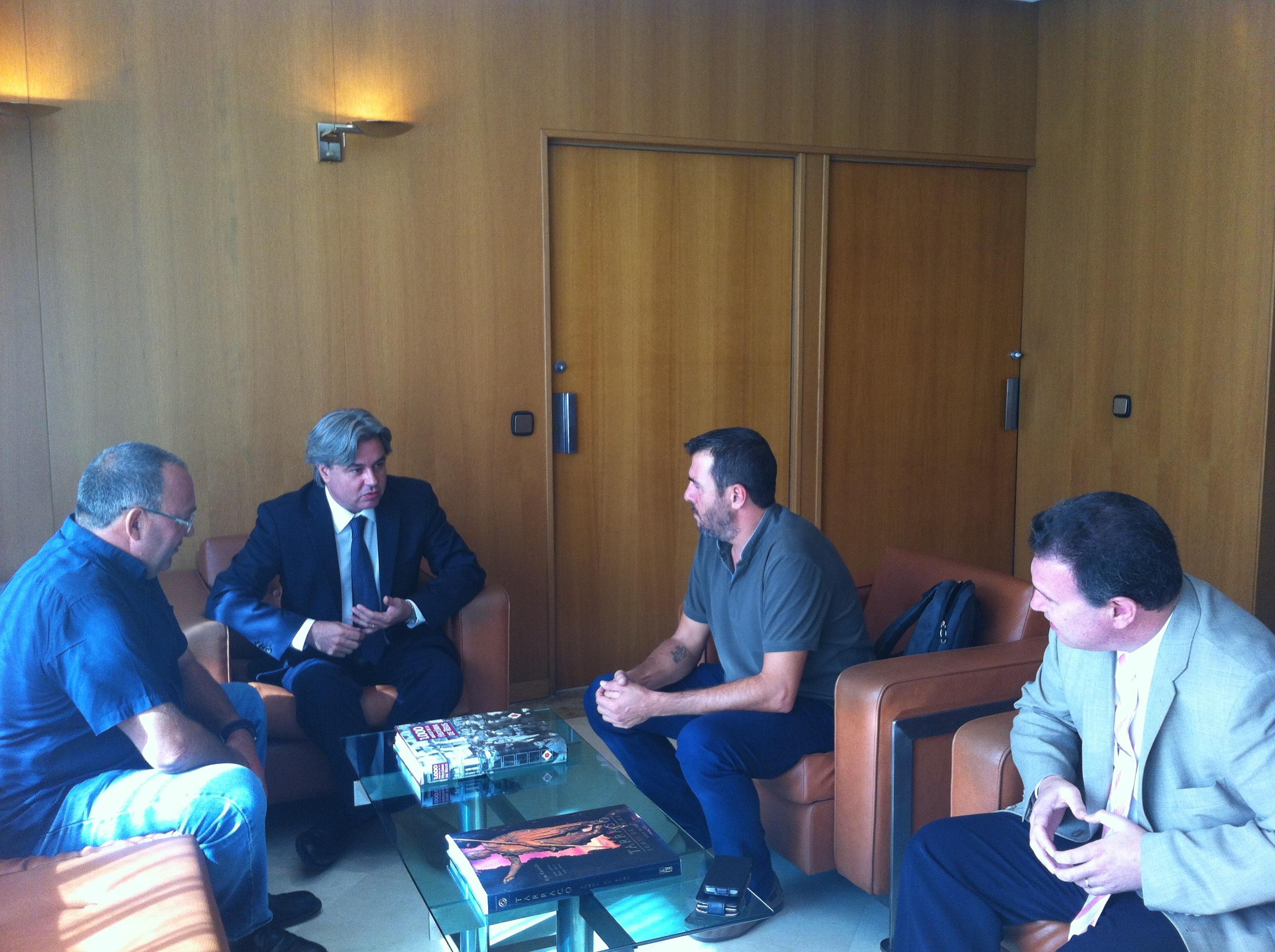 Reunió entre el Subdelegat del Govern a Tarragona i l'Ajuntament de Mont-roig del Camp