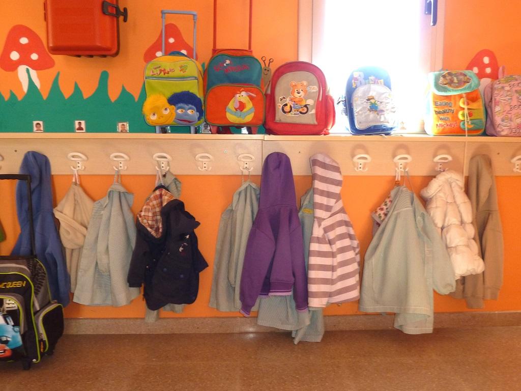Recogida de ropa usada y calzado en las guarderías municipales
